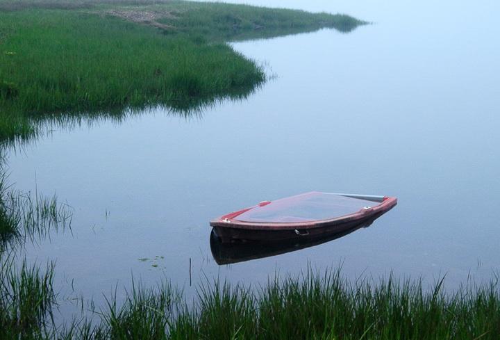 SunkenBoat_052204_3994.