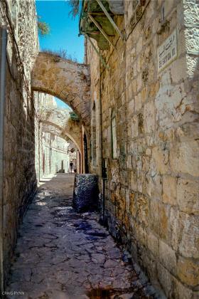 Jerusalem alleyway.