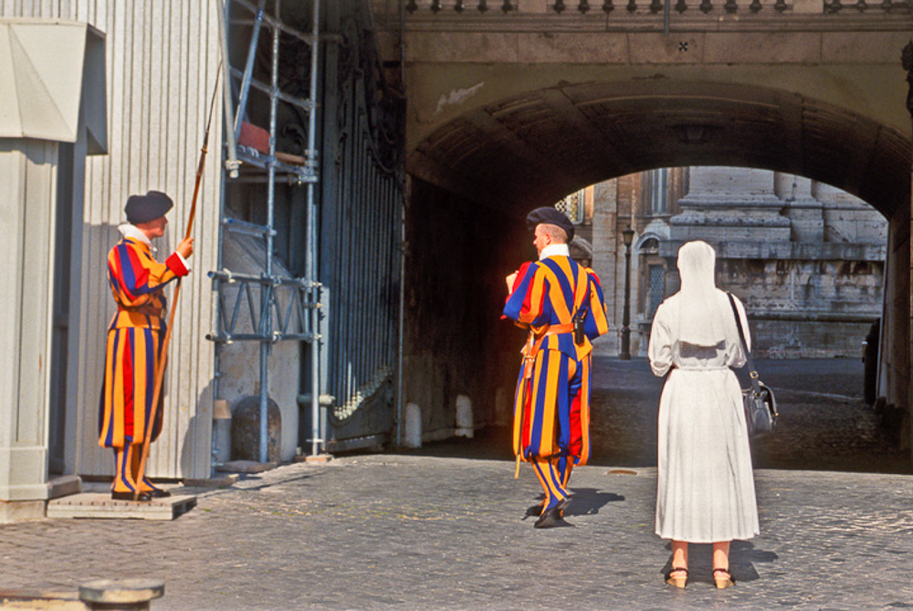 StPeters_Guards_9806
