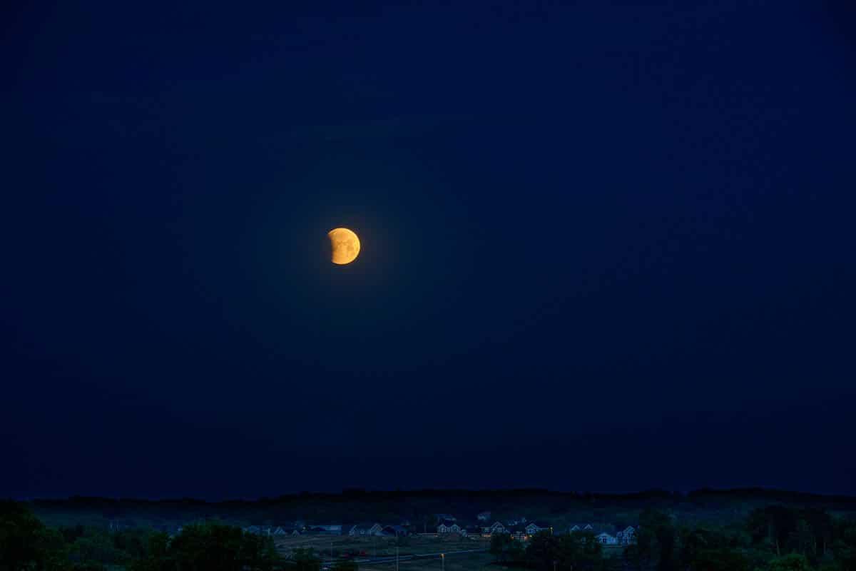 LunarEclipse_D852880.NEF