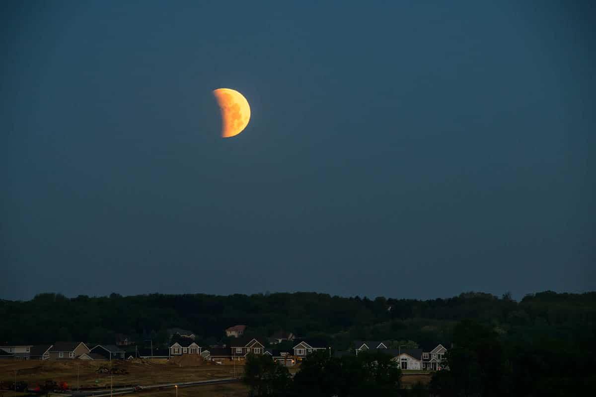 LunarEclipse_D852922.NEF